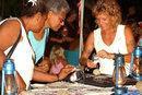 Venditrici di arte locale