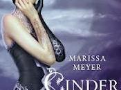 """Recensione """"Cinder. Cronache lunari"""" Marissa Meyer (Mondadori)"""