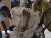 Donna-bomba esplodere teatro Mogadiscio: otto morti, loro alti funzionari sportivi somali