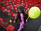 vent'anni dall'assedio Sarajevo, 11.451 sedie dipinte rosso lungo Tito ricordare vittime conflitto