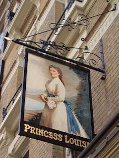 Alla scoperta di club, pub e locali storici di Londra