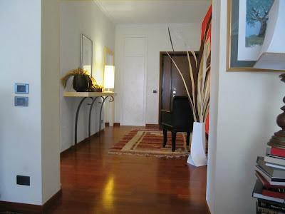 L 39 architetto risponde colore pareti soggiorno paperblog - Divano di fronte alla porta d ingresso ...
