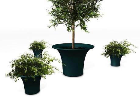 Vaso piante esterno design naoto fukasawa per serralunga for Piante da esterno in vaso