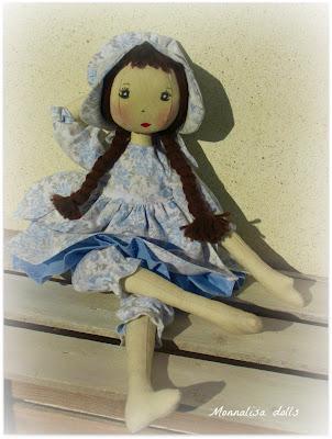 Bambole di stoffa con vestiti paperblog for Cartamodello per papillon