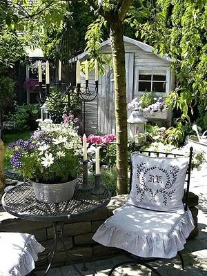 arredamento stile shabby chic arredare interni ed esterni della casa giardino shabby chic. Black Bedroom Furniture Sets. Home Design Ideas