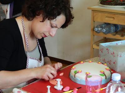 Corso base di decorazione torte paperblog for Decorazione torte karate