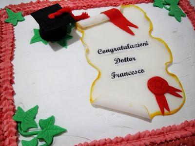 Torta per Laurea - Paperblog f90e30d9da78
