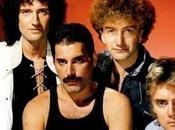 QUEEN l'ologramma Freddie Mercury