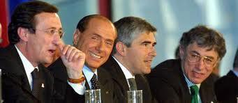 Il Papa a Bresso per il Family Day, a me viene da ridere, mi torna in mente il 2007. Fini, Casini, Bossi e Berlusconi. Quest'anno non ci sono.