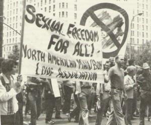 Ma NAMBLA non era mica l'associazione di omosessuali pedofili?