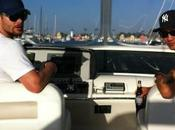Jensen Ackles salpa sulla barca moglie manca?)