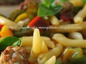 Insalata pasta fredda peperoni, basilico polpettine forno