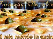 Focaccia alle olive verdi