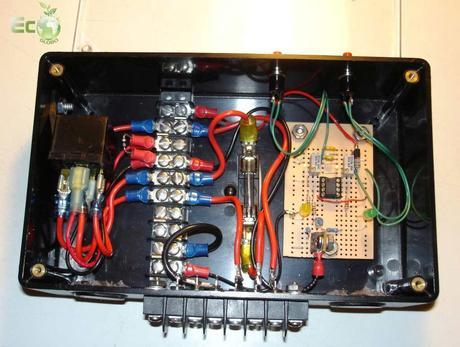 Schema Elettrico Regolatore Di Carica Per Pannelli Solari : Come costruire un regolatore di carica solare paper