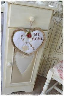 In my country nest only shabby chic paperblog - Mobiletto shabby chic ...