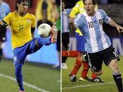 "Neymar s'inchina Messi: migliore, nessuno somiglia"""