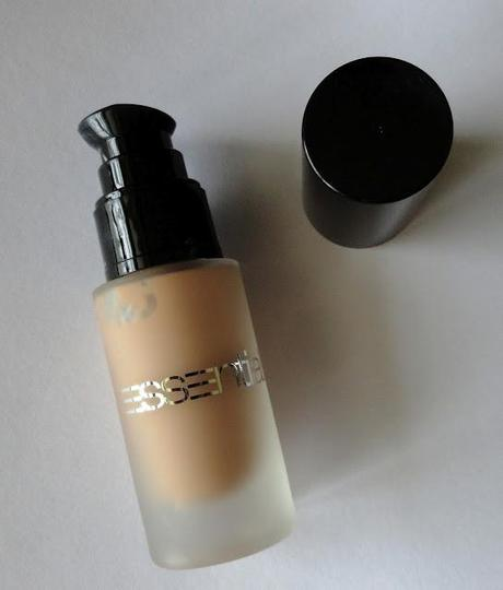 Review ESSENTIAL BEAUTY