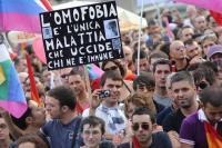 Milano ha approvato il registro delle unioni civili; il prossimo passo sarà il matrimonio civile (omosessuale)