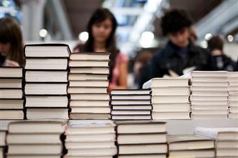 Dalla legge Levi al Maggio dei libri: le politiche che aiutano l'editoria