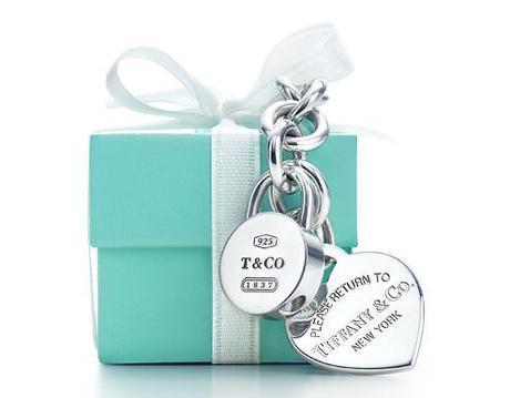 LOVE IS EVERYWHERE E TIFFANY LO CELEBRA DAL 1837