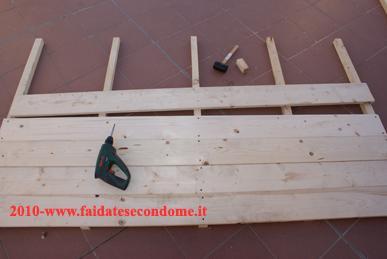 Come costruire una casetta degli attrezzi in legno paperblog for Costruire uno scuro in legno