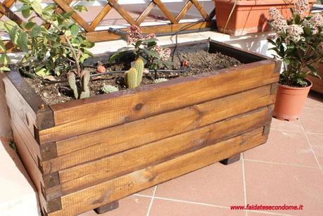 Costruire una fioriera in legno paperblog for Costruire fioriera legno