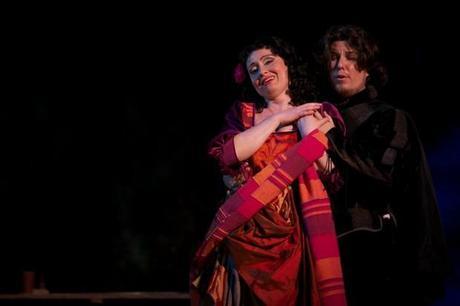 una immagine di Maddalena Chiara Chialli e il Duca di Mantova Deniz Leone 620x413 su Giuseppe Verdi e Rigoletto: Tornando a Casa