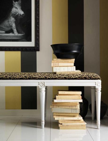 righe ma con colori protagonisti; nero e bianco mediati dal giallo oro ...