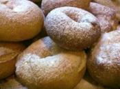 Mpigne ciambelline base farina patate aromatizzate alla vaniglia.
