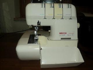 Taglia cuci in vendita paperblog for Macchina da cucire salmoiraghi 133