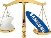 Apple stravince causa contro Samsung