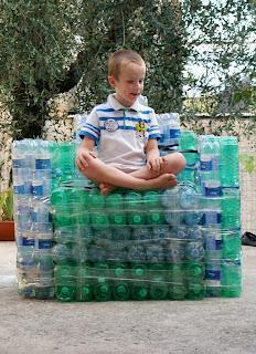 Poltrona Bottiglie Di Plastica.Riciclo Poltrona Con Bottiglie Di Plastica Paperblog