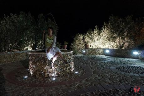 Casale del Golfo by night: the well