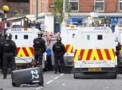 Irlanda Nord: notti violenza contro polizia Belfast