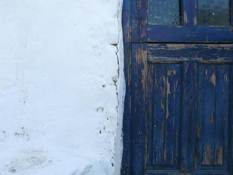 details makes a place special - Serifos's colored doors