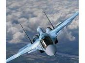 Bombardiere russo passa pochi metri dalla strada