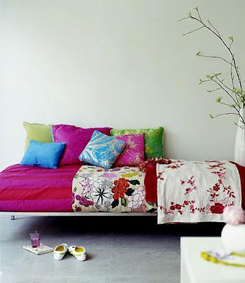 Trasformare la casa con i tessuti paperblog for Cuscini da pavimento ikea