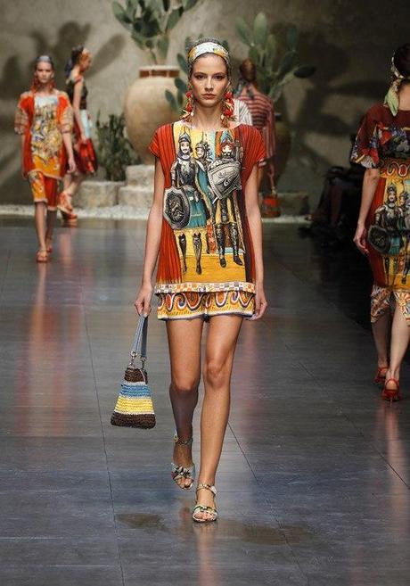 903c12659e Dolce & Gabbana per la primavera estate 2013 celebra la Sicilia, fra ...