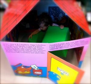 Costruire una casetta di cartone per bambini e bambine con un libro paperblog - Costruire una casetta di cartone per bambini ...