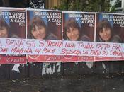 Roma, guardate cosa hanno scritto sopra manifesti della Polverini!