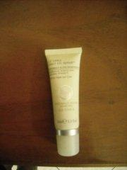 Liz Earle Daily Eye Repair...