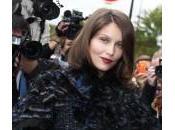 Parigi, Laetitia Casta alla sfilata Chanel