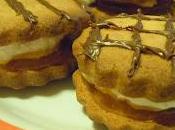 Biscotti farina castagne alla marmellata panna montata