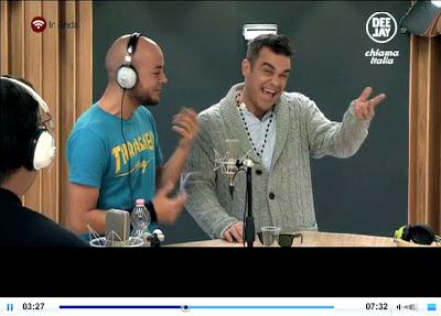 Robbie Williams gay a Radio Deejay