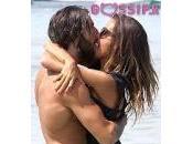 Giorgia Palmas Vittorio Brumotti baciano Dubai