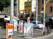 spaventoso degrado delle favelas cartacee: ogni edicola roma (totalmente abusiva). viggili?