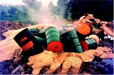 Caserta: Fanghi tossici provenienti da aziende del Nord spacciati per concime