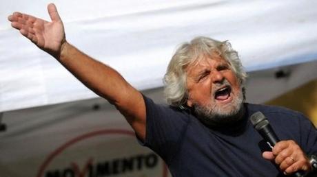 Beppe Grillo capo politico ?