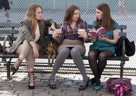 una immagine di Jemima Kirke Lena Dunham e Zosia Mamet 620x439 su Girls: Mitomania e Velleità dei Ventenni di Oggi