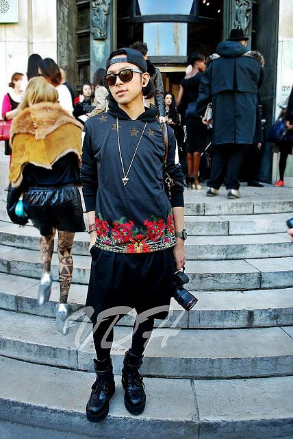Paris Fashion Week Street Style : Fashionistas at work